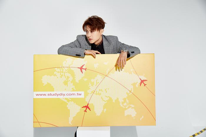 StudyDIY遊學雜誌│封面人物登場預告: 王子‧邱勝翊  來一場遊學出走吧!